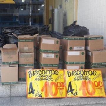 """Bandido Marketeiro:""""Polícia identifica ambulante que anunciava biscoito 'roubado' em Madureira"""""""