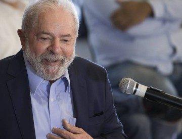 Lula aparece à frente de Bolsonaro em pesquisa para eleição presidencial; veja os números