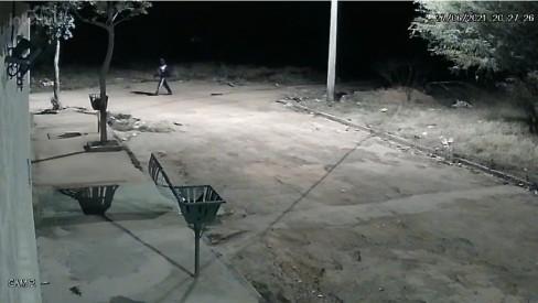 Câmera de segurança mostra Lázaro Barbosa em fuga na região onde foi capturado e morto