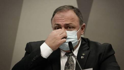 Deputado diz que Pazuello lhe contou que seria exonerado por não ter cedido a chantagem de parlamentar