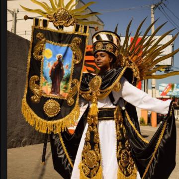 Inocentes de Belford Roxo segue divulgando em websérie os protótipos de fantasias do Carnaval 2022