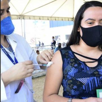Nova Iguaçu vacina adolescentes de 15 a 17 anos nesta semana
