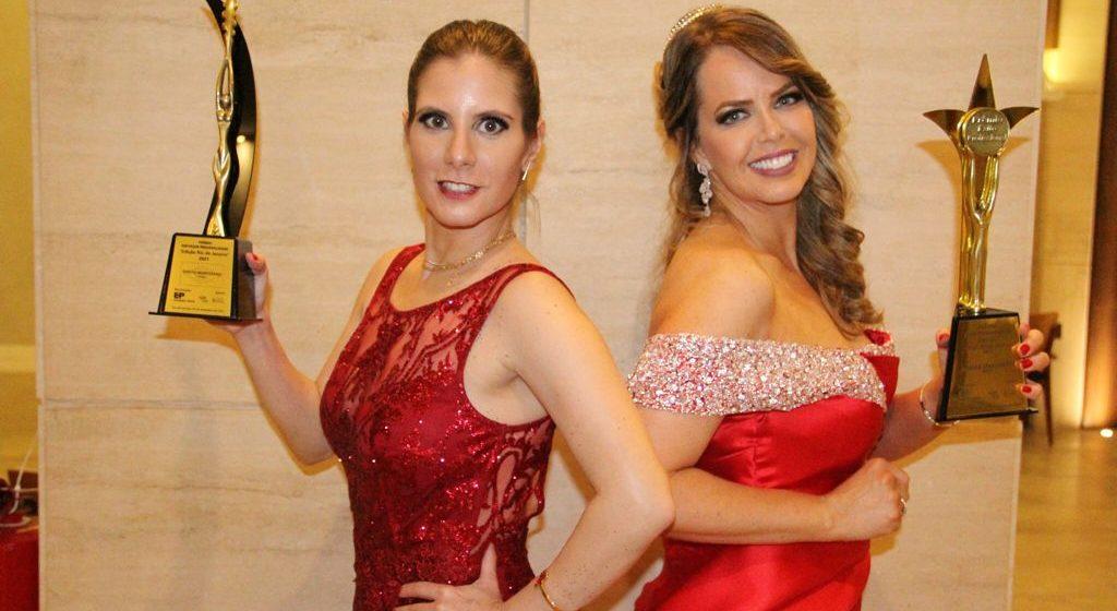 Atrizes Evelyn Montesano e Mariza Marchetti ganham prêmio no Rio de Janeiro