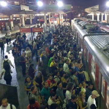 """S.O.S:""""Governador Cláudio Castro pede ajuda ao MPRJ para solucionar problemas dos transportes públicos do Rio"""""""