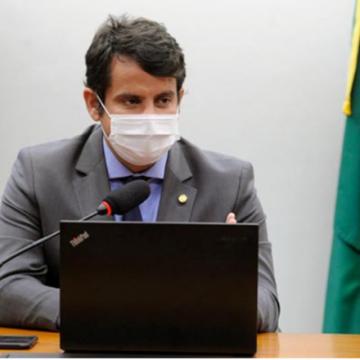 """Dr. Luizinho:""""REFORMA DO IR BENEFICIA MAIORIA DOS MÉDICOS E PROFISSIONAIS DE SAÚDE, DIZ DEPUTADO"""""""