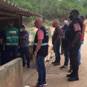 Prefeitura de Nova Iguaçu interdita empresas por recebimento irregular de resíduos sólidos
