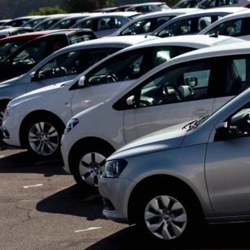 """OPORTUNIDADE:""""Sem carro zero no mercado, preço de usados sobe até 20%"""""""