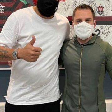 Adriano Imperador inicia dieta com nutricionista ex-Flamengo