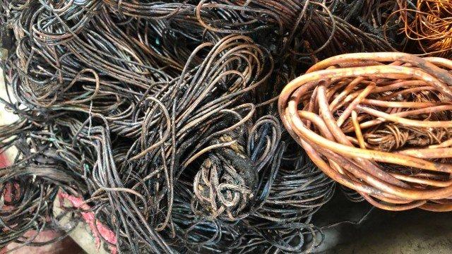 Polícia apreende meia tonelada de cobre em ferros-velhos do Rio e da Baixada Fluminense