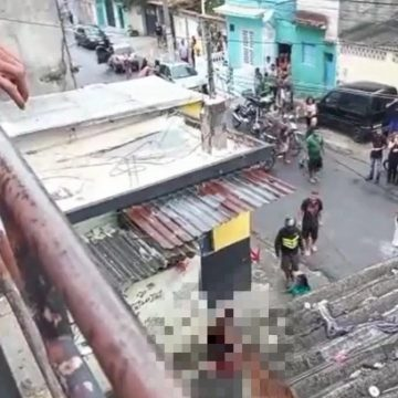 """VIOLÊNCIA SEM FIM:""""Homens dentro de carro atiram e matam três pessoas em Senador Camará"""""""