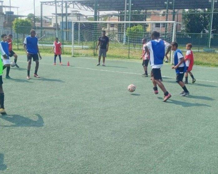 Time da Baixada busca revelar talentos para grandes equipes do futebol brasileiro