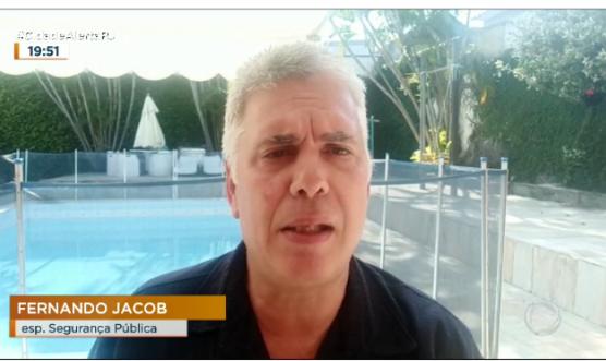 """LINHA DIRETA :'Ladrões de carros fazem meta de 120 assaltos por mês em Caxias (RJ)""""; assista o vídeo"""