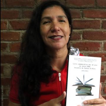 Fenig reúne autores na celebração de sarau poético