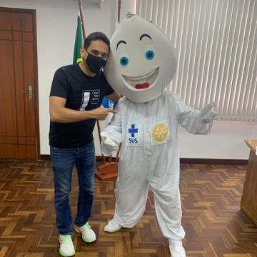 Nilópolis recebe Zé Gotinha para Campanha Nacional de Multivacinação